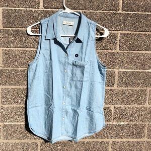 Abercrombie & Fitch light jean vest Medium NWT